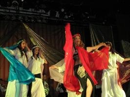 ריקודי בטן לנשים - בטי